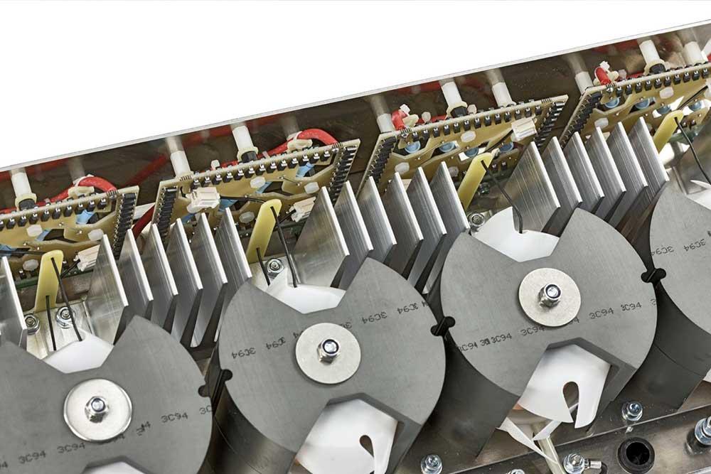 Hochspannnungstrafo und –Gleichrichtereinheit für gepulste Ausgangsspannung bis 20kV