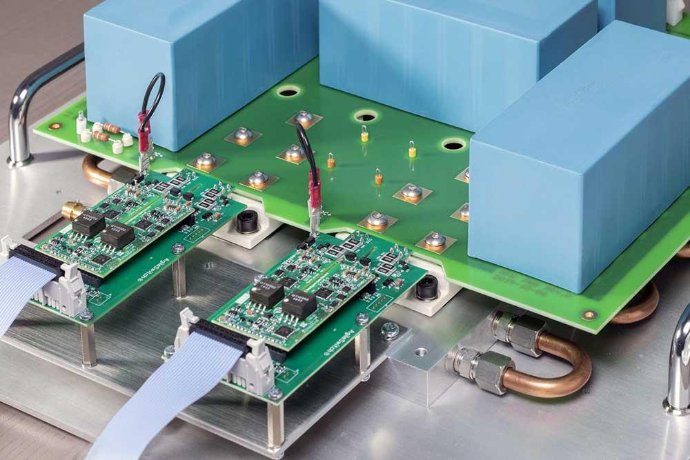 Leistungsstufe mit SiC-Modulen von STAR-POWER